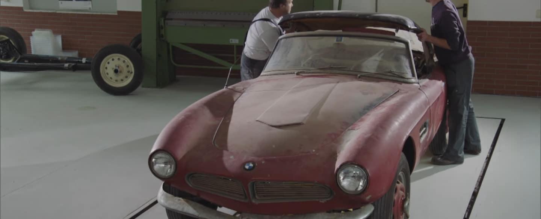 BMW Elvisa. Film z renowacji słynnej 507.