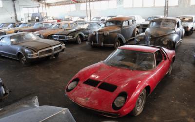 Barn-Find po francusku, czyli 81 samochodów na aukcji. Jednym z nich Lamborghini Miura.