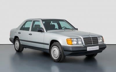 Mercedes-Benz W124 sprzedany! Nie byłoby w tym nic specjalnego, gdyby nie jego przebieg.